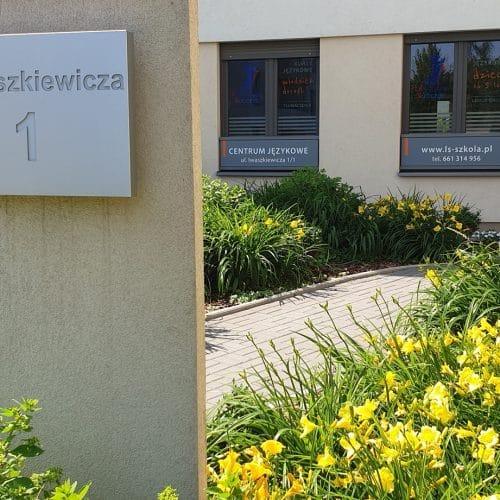 szkoła językowa wrocław krzyki galeria